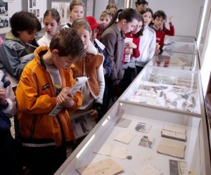 Schoolchildren engaging in educational activities at the War Museum.