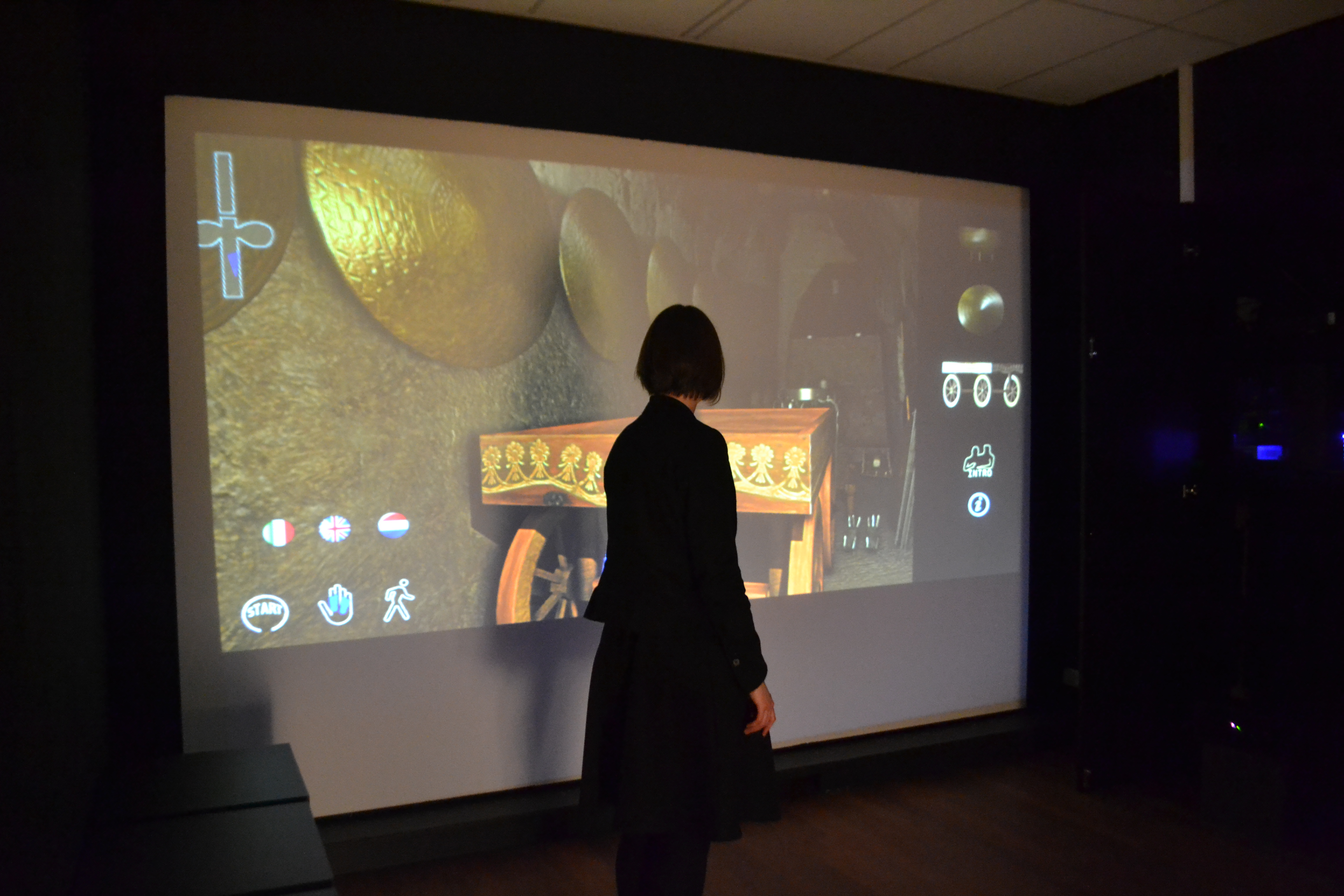 The Etruscanning interactive at the Allard Pierson Museum, using virtually restored 3D models of museum objects. (picture: Allard Pierson Museum/ Christie. A. Ray
